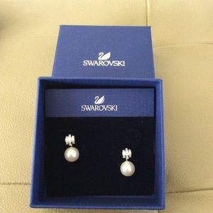 Swarovski Perpetual Pierced Pearl earrings